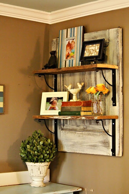 Super Cute! from The Painted Home: { DIY Barnwood Shelf }