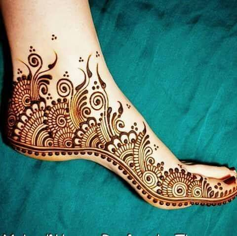mehndi- i love how it spirals up the foot and evaporates