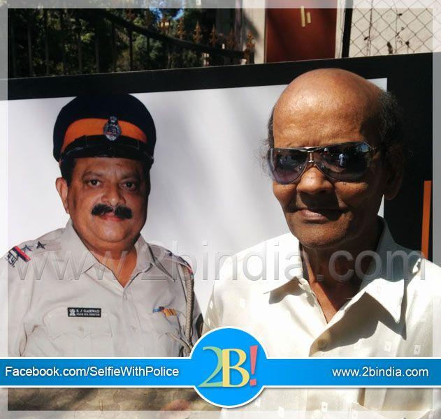 police bohat kaam karti hai air wakae Hum thank you nahi khate #isupportpolice #careofthecaretaker #SupportPolice #CareForPolice #SelfieWithPolice #CareForTheCaretaker #MumbaiPolice #Police #MaharashtraPolice #selfiewithsafety