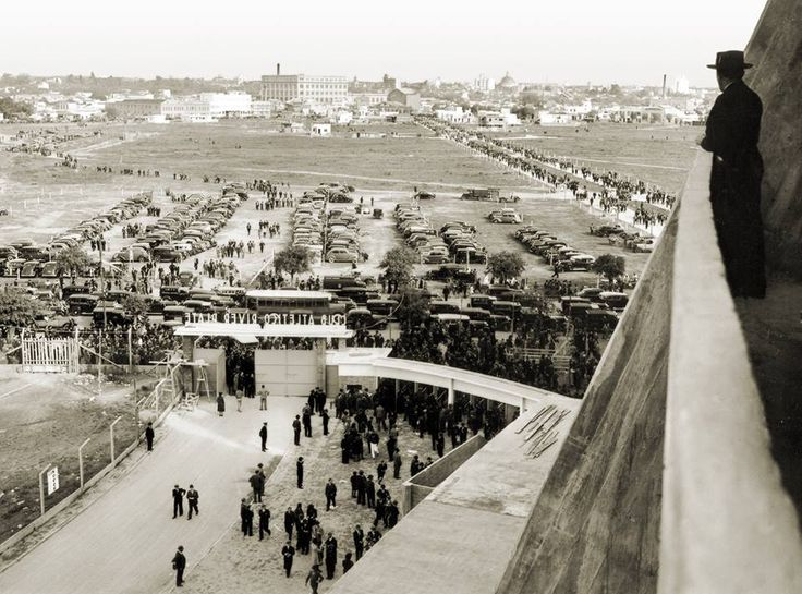 El día que se inauguró el Monumental. Foto sacada desde la tribuna lateral el 25 de mayo de 1938.
