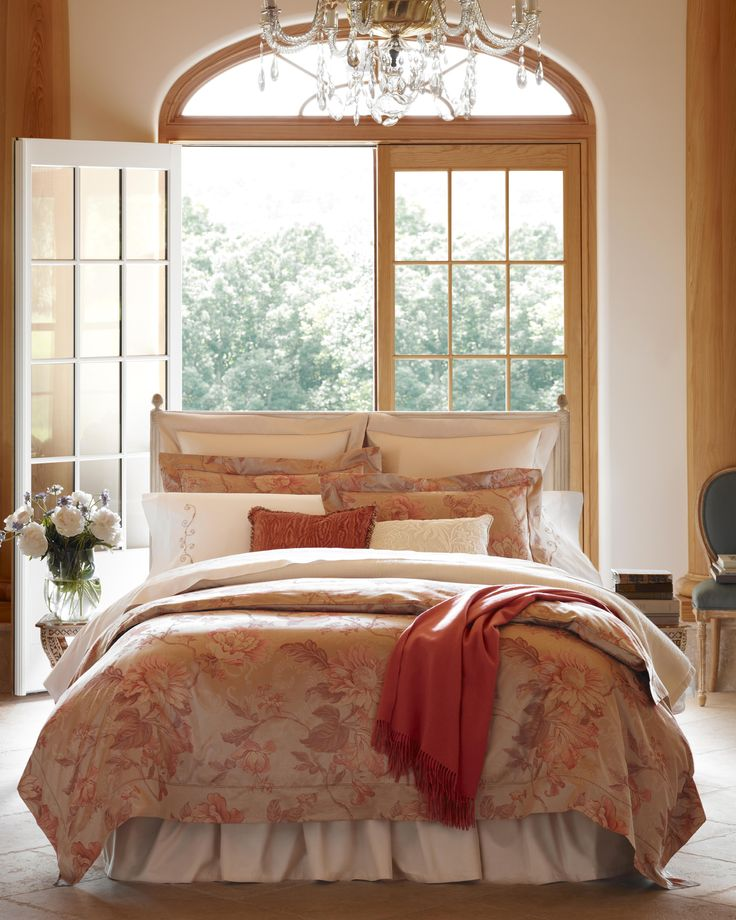 Sumptuous bedding begins with the finest Egyptian cotton spun into the most delicate yarns, then expertly woven woven our master craftsmen in Italy. Tullia delights: it's a large cabbage-rose pattern deftly rendered in a yarn-dyed woven pattern. Duvet covers and shams.