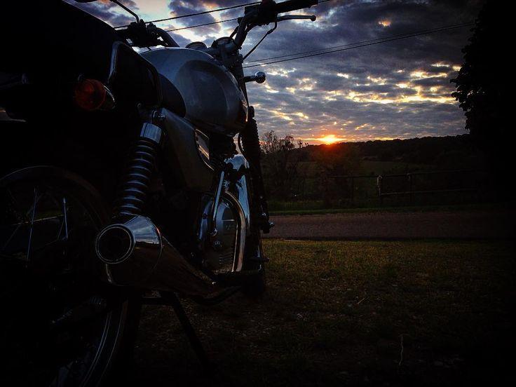 La vie est un long voyage #Astor #orcal #moto #motard