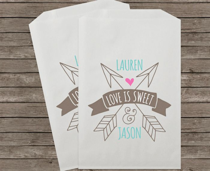 You can order these personalized wedding treat bags from stampsjubilee #weddingfavors #favorbags