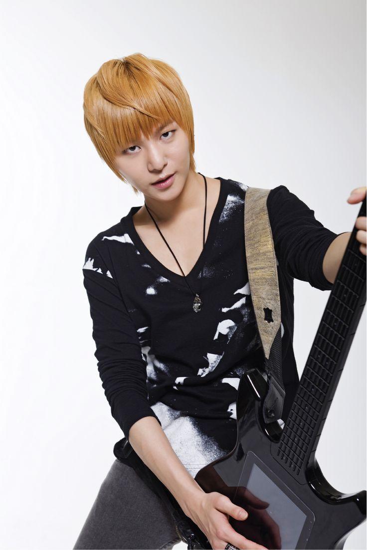 Young Jun, LEDApple