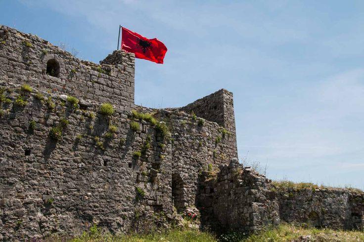 """In Ergänzung zu unserem Bilderbericht haben wir noch ein persönliches """"Albanien Urlaub von A-Z"""" zusammenstellt: mit Anekdoten, Reisetipps und Wissenswertem."""