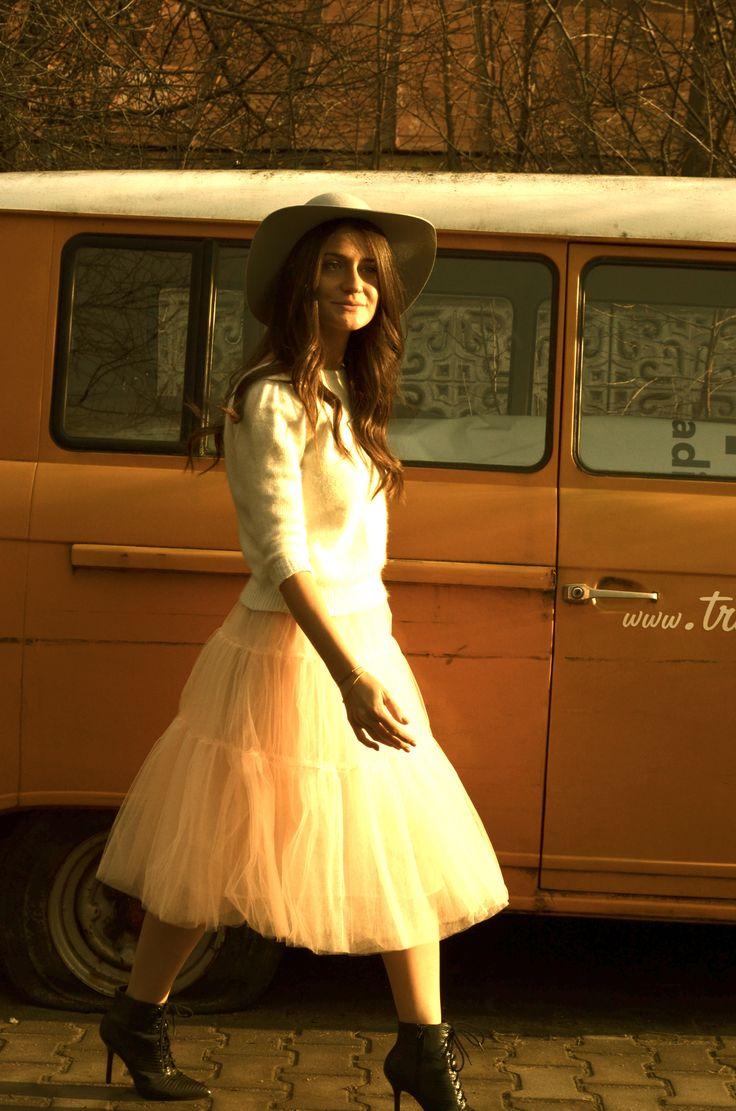 #LeTulle #pinkskirt #smile #hat #goodmood #easiness #sunset #2015 #gotowww https://www.facebook.com/LeLovelyTulle