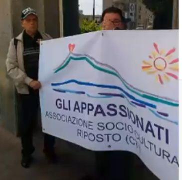 Sicilia: #Undici #morti per #assenza di un Pronto Soccorso in 100 da Giarre a Palermo per protestare (VIDEO) (link: http://ift.tt/2oXYVNF )
