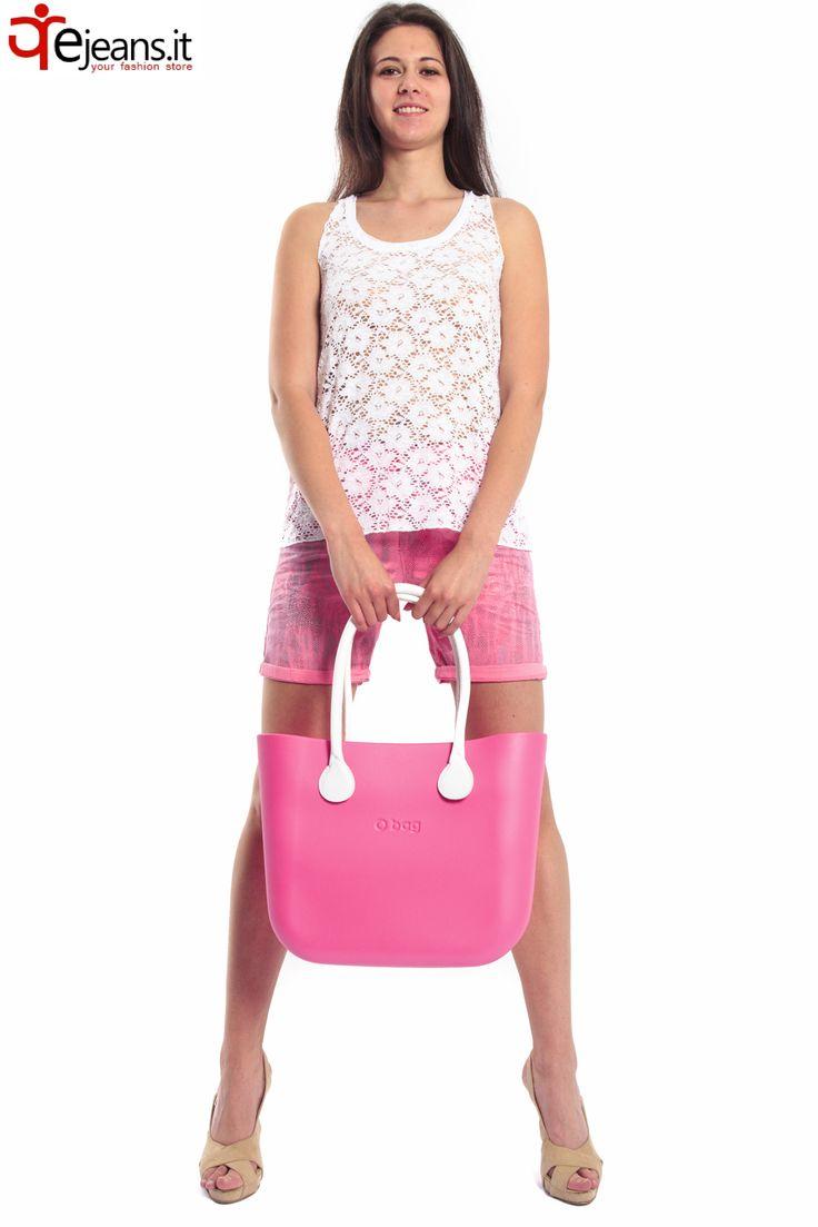 FULLSPOT O'BAG da Malaguti Ovada Oreficeria, shorts slim fit MARYLEY e canotta traforata in Sangallo SUSYMIX da Renes store