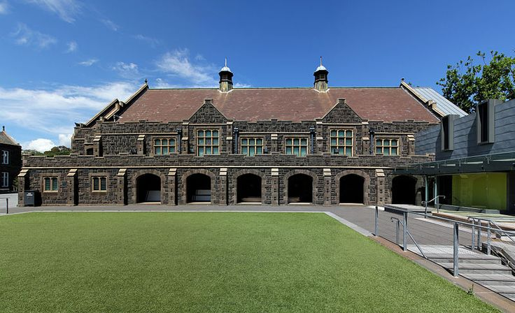 Descrizione Melbourne Grammar School (Chapel).jpg We really are meant to be getting work done. Having said that we have our offices in Melbourne so let us spread our view of the city - http://www.rankwell.com.au/adwords