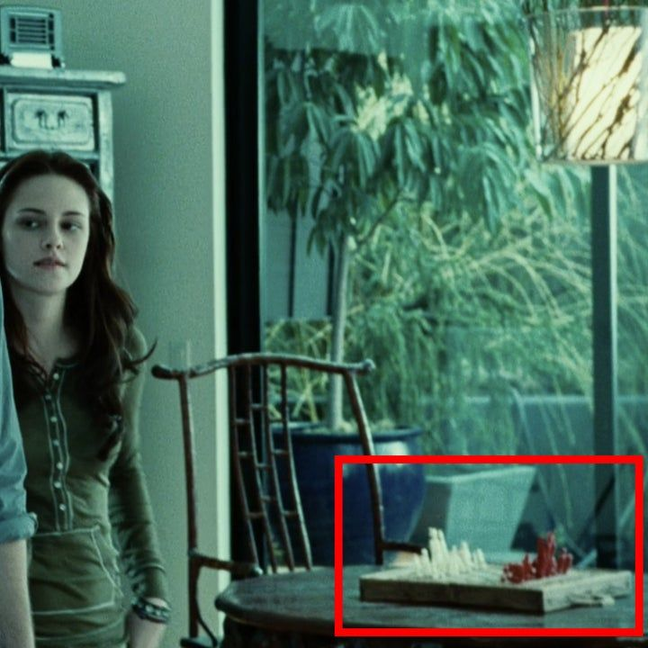 19 Details From The Twilight Movies You Might Ve Missed The First Time Twilight Movie Twilight First Movie Twilight Movie Scenes