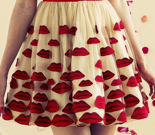 Alice + Olivia Resort 2014 >> red lip skirt!  love!  sew with red felt