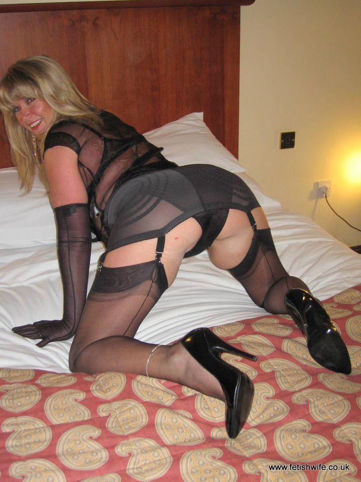 Sexy Women In Seamed Nylon Stockings 65
