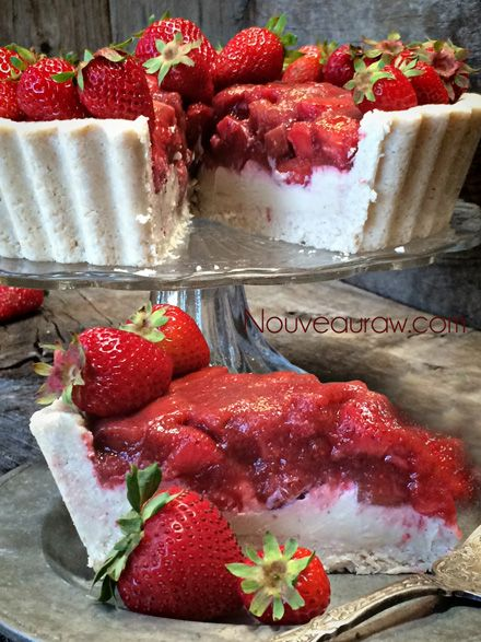 Ruby Red Strawberry Rhubarb Cream Pie (raw, vegan, gluten-free)Nouveau Raw