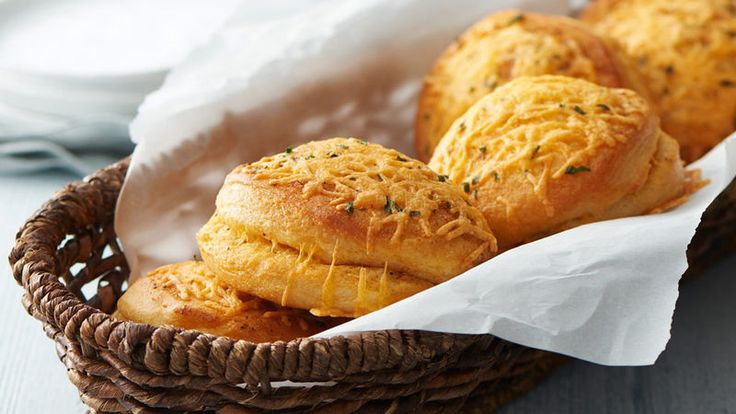 These cheesy garlic biscuits will make a perfect addition to any weeknight meal.