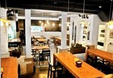 Lamucca, deux restos à l'ambiance très sympa http://lecarnetdemadrid.com/950,lamucca--des-restaurants-a-latmosphere-chaleureuse.html