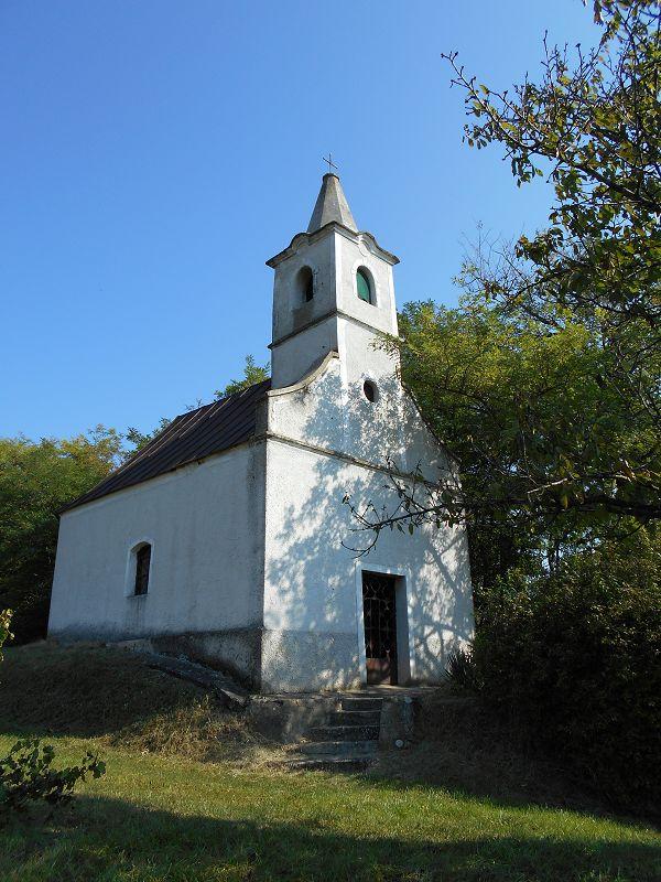 Bácsi (Szűz Mária nevenapja) kápolna (Káptalantóti közelében 1.4 km) http://www.turabazis.hu/latnivalok_ismerteto_2233 #latnivalo #kaptalantoti #turabazis #hungary #magyarorszag #travel #tura #turista #kirandulas