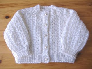 marianna's lazy daisy days: baby cardigan - http://mariannaslazydaisydays.blogspot.co.uk/2013/04/yin-and-yang.html