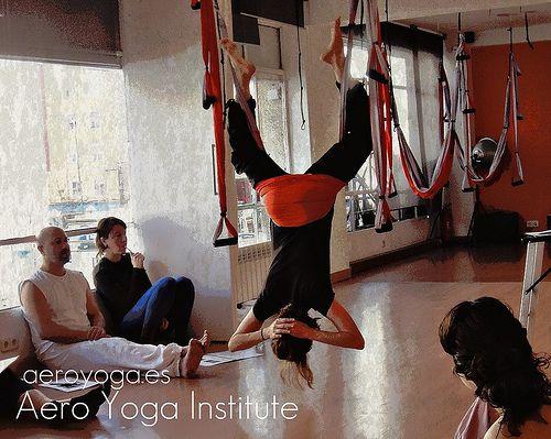 yoga aereo, yoga aereo mexico aero yoga, Clases de yoga aereo en telas aero yoga madrid, formacion y diploma www.aeroyogamexico.com