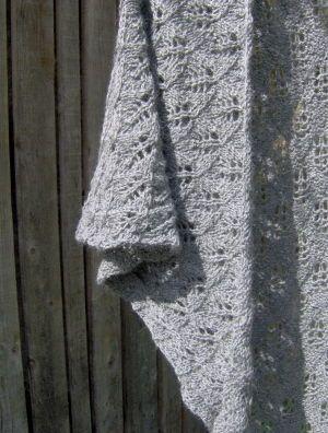 Birch (free pattern) châle dentelle super joli ! Et simple pour démarrer la dentelle.