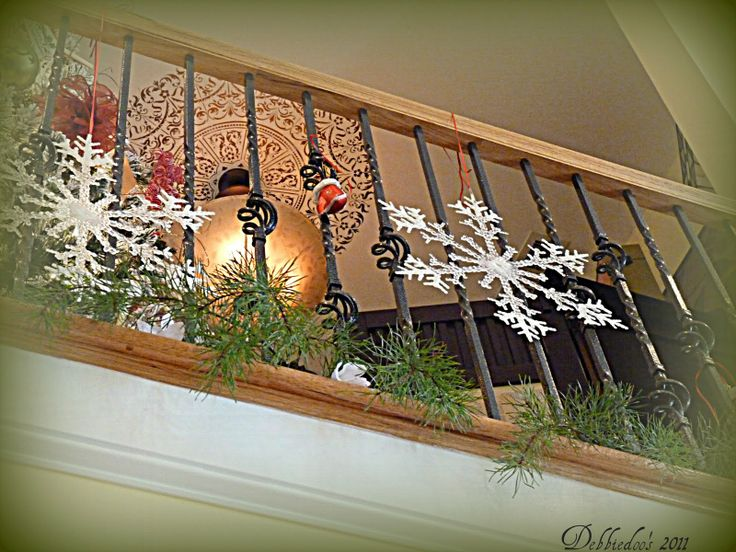 stair banister holiday decor | Decorating the banister for the Christmas Holiday! - Debbiedoo's