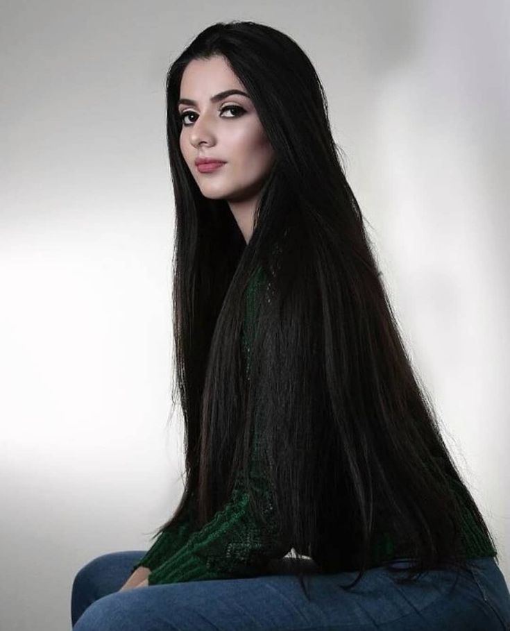 The next Rapunzel for the day is @astridadrianarosalesm    Our site is dedicated to the celebration of beautiful long hair. If you have long hair and would like to be featured on our instagram profile and website please send us a DM with your best hair picture.    #longhair #rapunzel #cabeloslongos #hairdiva #hairmodel #beautifulhair #hairgoals #instahair