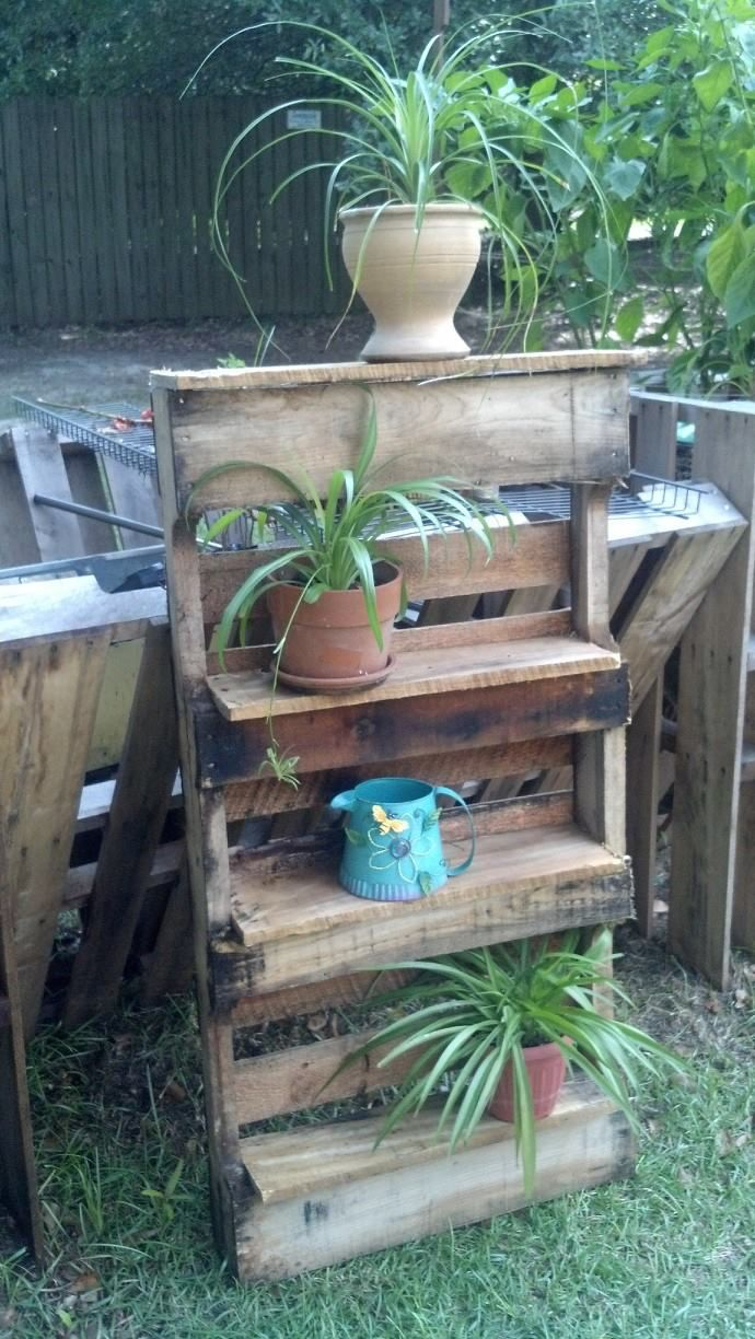 Rustic pallet shelf. | Outdoor pallet bar and things | Pinterest ...