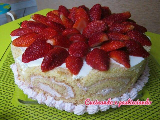 Bavarese alla vaniglia in Rolle con crema di fragole www.cucinandoepasticciando.com