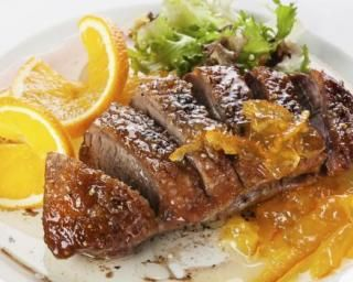 Magret de canard à l'orange : http://www.fourchette-et-bikini.fr/recettes/recettes-minceur/magret-de-canard-lorange.html
