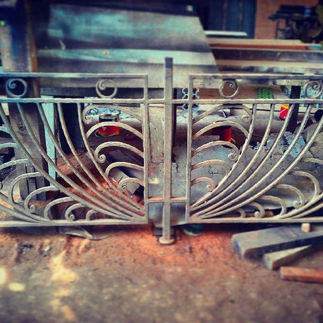 #ornament #wroughtiron #besitempa #blacksmith #clasic #klasik #nako #bengkellas #arrayyansteel