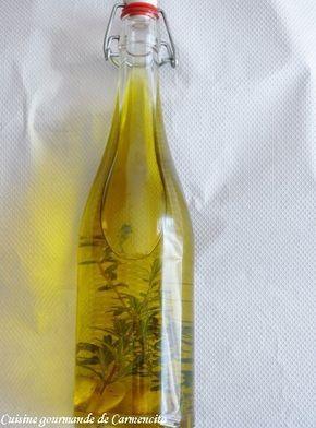 Faire macérer de l'ail, du romarin et du thym dans de l'huile d'olive et vous avez une délicieuse huile parfumée à verser sur toutes vos salades. Ingrédients Pour 1 bouteille de 75 cl Banches de thym Branches de romarin Grains de poivre noir 2 gousses...