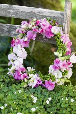 natural wreath- sweet peas