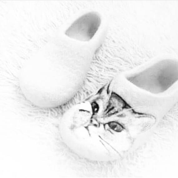 Romanic gift for cat lady Felted wool shoes White Cat painted slippers