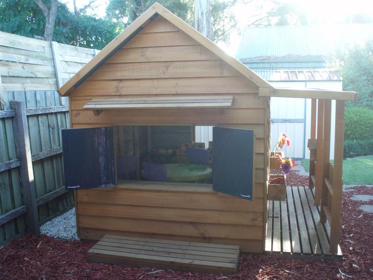 This has been an exceptionally popular addition to our range. What little child does not like to play shops? Now your child can be the cafe manager in his or her own cafe!  Includes 2 hinged blackboard doors, external awning and standing plate and an internal servery shelf.  Available on all of our cubby designs - even at the base of an elevation or fort!