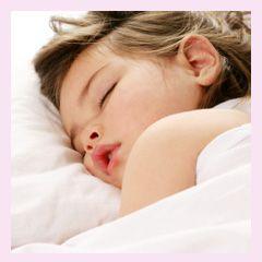 """Si quieres que tu hijo aprenda a dormir sin llorar puedes consultar este artículo acerca del método """"Dormir en vez de llorar""""."""