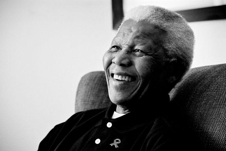 - Nelson Rolihlahla Mandela (*18 de julio de 1918 -†05 de diciembre de 2013), político y abogado sudafricano, presidente del Congreso Nacional Africano y de la República de Sudáfrica.