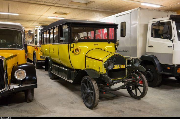 Das älteste erhaltene Postauto ist dieser Berna Alpenwagen von ca. 1917. Er steht heute zusammen mit Dutzenden weiteren Fahrzeugen abgestellt in der Sammlung des Museums für Kommunikation (ehemals PTT-Museum) in der Nähe von Schwarzenburg. Am 13. September 2015 war die Sammlung zum ersten Mal seit etwa 10 Jahren wieder einmal für die Öffentlichkeit zugänglich.