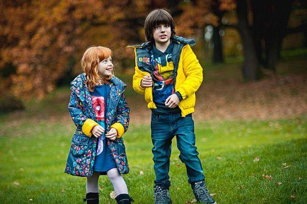 Практичная и современная осенняя одежда для активных детей (фото)