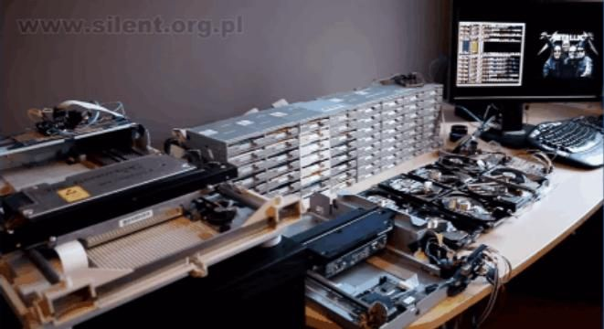 Listen To A Bunch Of Floppy Drives Jam Out To Metallica's 'Enter Sandman'