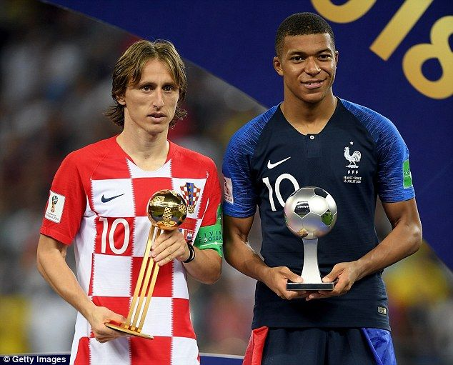 Modric Wins Golden Ball Prize As He Voted Best Player At World Cup Messi And Ronaldo World Cup World Cup Winners