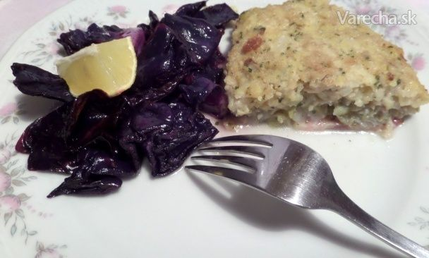 Treska pod chlebovo-zemiakovou krustou s pečenou červenou kapustou