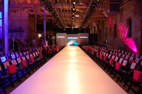 IMAGE 12. This is an image of the Myer SS16 runway shape and layout (BizBash 2008)