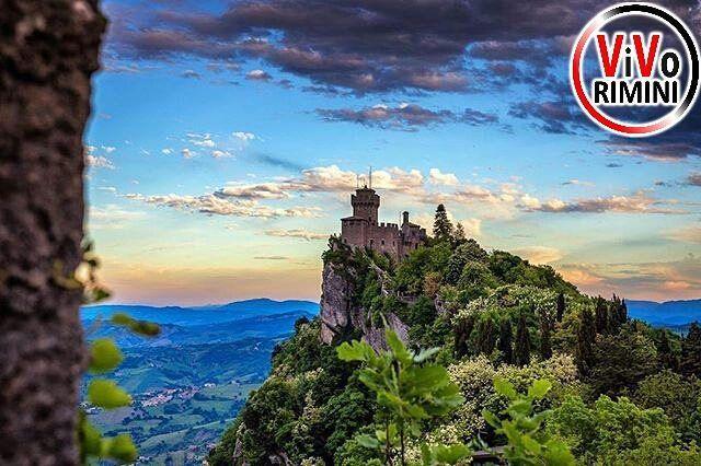 -----------------------------  ---------------------------------------------  Repubblica di San Marino  by @giovaespo visitate la sua splendida galleria!! --------------------------------------------- admin @_elisagasperoni & @ariannapruccoli follow @vivorimini tag #vivorimini --------------------------------------------- Tagga solo foto scattate da te!!! Continuate a seguirci e taggate le vostre foto piu belle con il Tag #vivorimini --------------------------------------------- VivoRimini è…