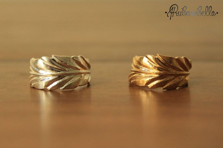 Bague Plume via Rubambelle. Click on the image to see more! Feathers rings gold and silver Hippie girl