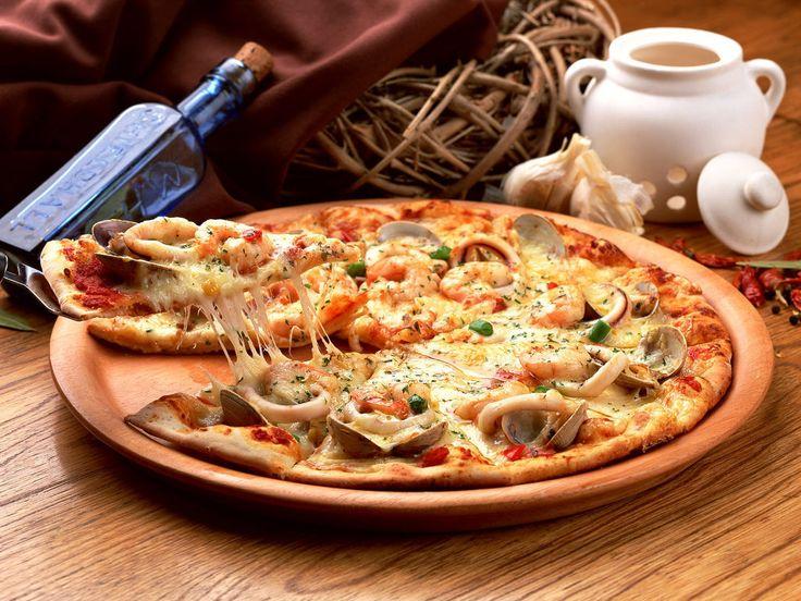 pizza με θαλασσινά..μύρισε καλοκαίρι!
