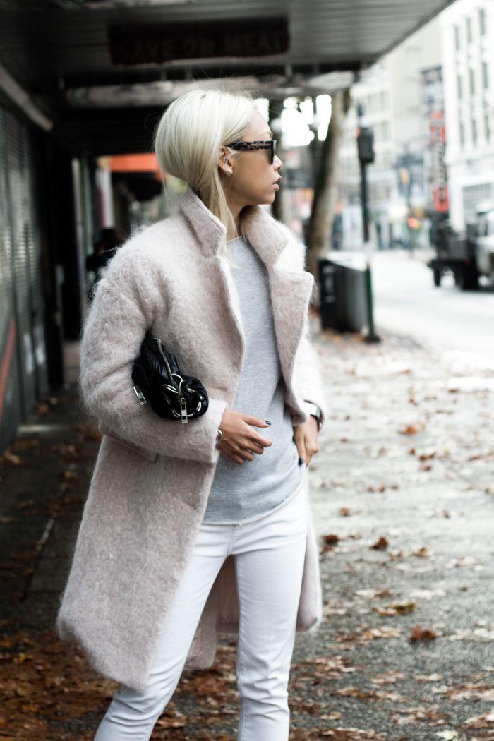 Vanessa Hong of Haute Pursuit puts an urban spin on an H&M light pink bouclé…