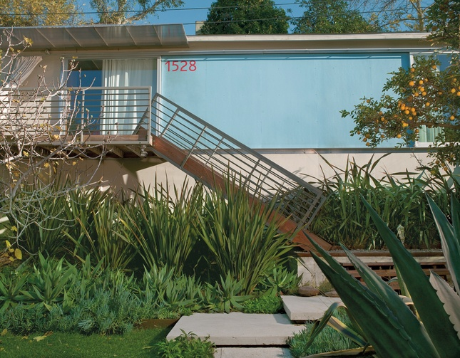 echo chamber turin molina home exterior stair
