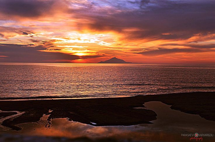 """Ο """"φλεγόμενος"""" ουρανός της Λήμνου!   Φωτό: Παρασκευή Βαρβαρίγου"""