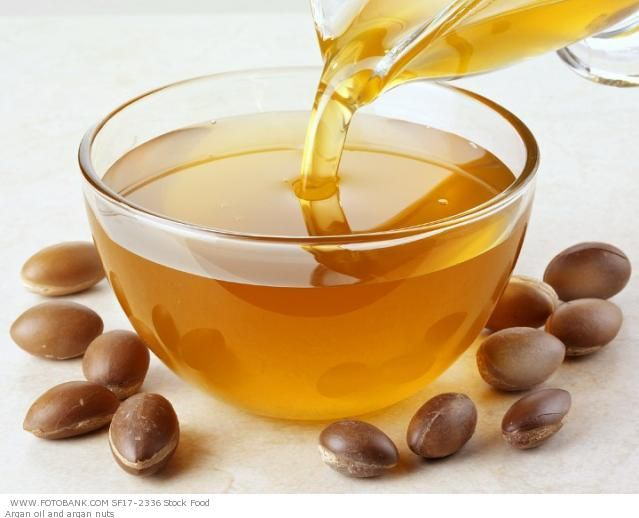 Capelli forti con olio d'argan e aceto di mele - http://www.wdonna.it/capelli-forti-olio-dargan/63613?utm_source=PN&utm_medium=Gossip&utm_campaign=63613