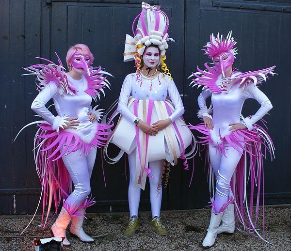 Resultat d'imatges de Broadway flower costume