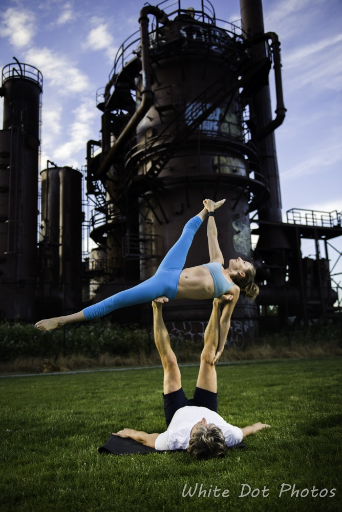 Acro yoga at gasworks park, Seattle.
